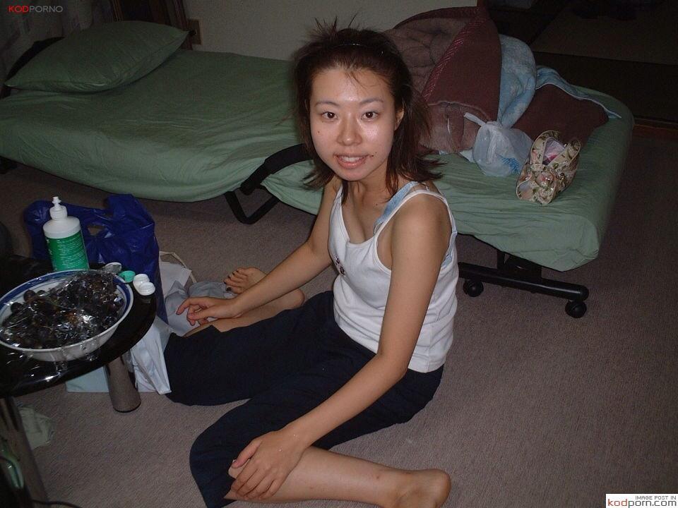 [รูปโป๊ รูปจิ๋ม] หลุดหนุ่มสาวโรงงานย่านบางพลี เงี่ยนถอดเสื้อผ้าไม่ทัน