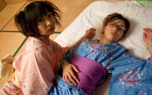 จัดเสียวสองสาวเงี่ยน ช่วยกันแยงก่อนโดนดุ้นใหญ่ๆกระแทกหีบวม รูปหี