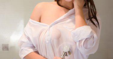 สวยแบบดุๆโหดแบบหื่นๆ เสื้อผ้าชุดขาวบางๆเปียกน้ำแบบนี้ รวบรัดไปทุกสัดส่วน รูปเสียว