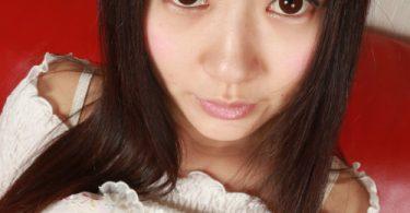 สาวน่าใสวัยสะออน ตาใสๆหน้ากลมๆ นมน่าฟัด ภาพแอบถ่าย