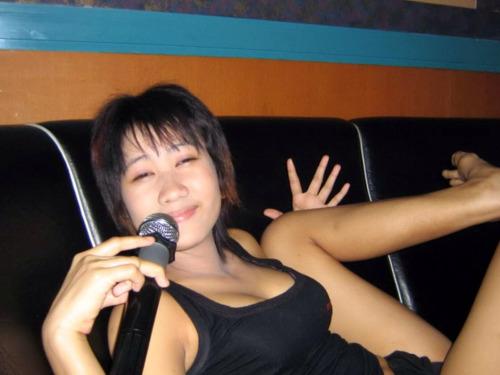 สาวนั่งดริ๊งคาราโอเกะ จัดดริ๊งกับป๋าคาห้องหีโครตเนียน xxx