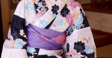 สาวงามในเสื้อผ้าชุดกิมโมโน จัดคู่แบบเด้าสามเส้า รูปเย็ดกัน