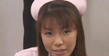 มาคหน้าด้วยน้ำว่าว จัดหนักพอกหน้าให้สาวพยาบาล รูปจากหนังโป๊