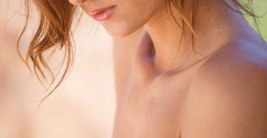 นมเล็กๆแต่กลีบสวยร่องชิดบีบแบบฟิตๆ เนียนสวยสะกิดใจ รูปหลุด