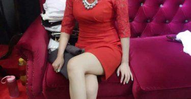 ไฮโซสาวขอโชว์เสียว โชว์เต้าใหญ่ๆหัวนมแดงๆ เซ็กซี่น่าดูด รูปจากหนังโป๊