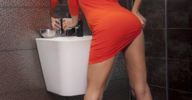 สาวออฟฟิตสุดเงี่ยน เกิดอารมณ์เลยจัดเกี่ยวหีในห้องน้ำเลย ฟินๆ xxx