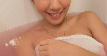 อาบน้ำกับหนูไหมค่ะ ช่วยกันถูหลัง แค่คิดก็ฟินแล้ว รูปสาวน่าเย็ด