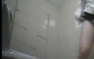 ตั้งกล้องในห้องน้ำ